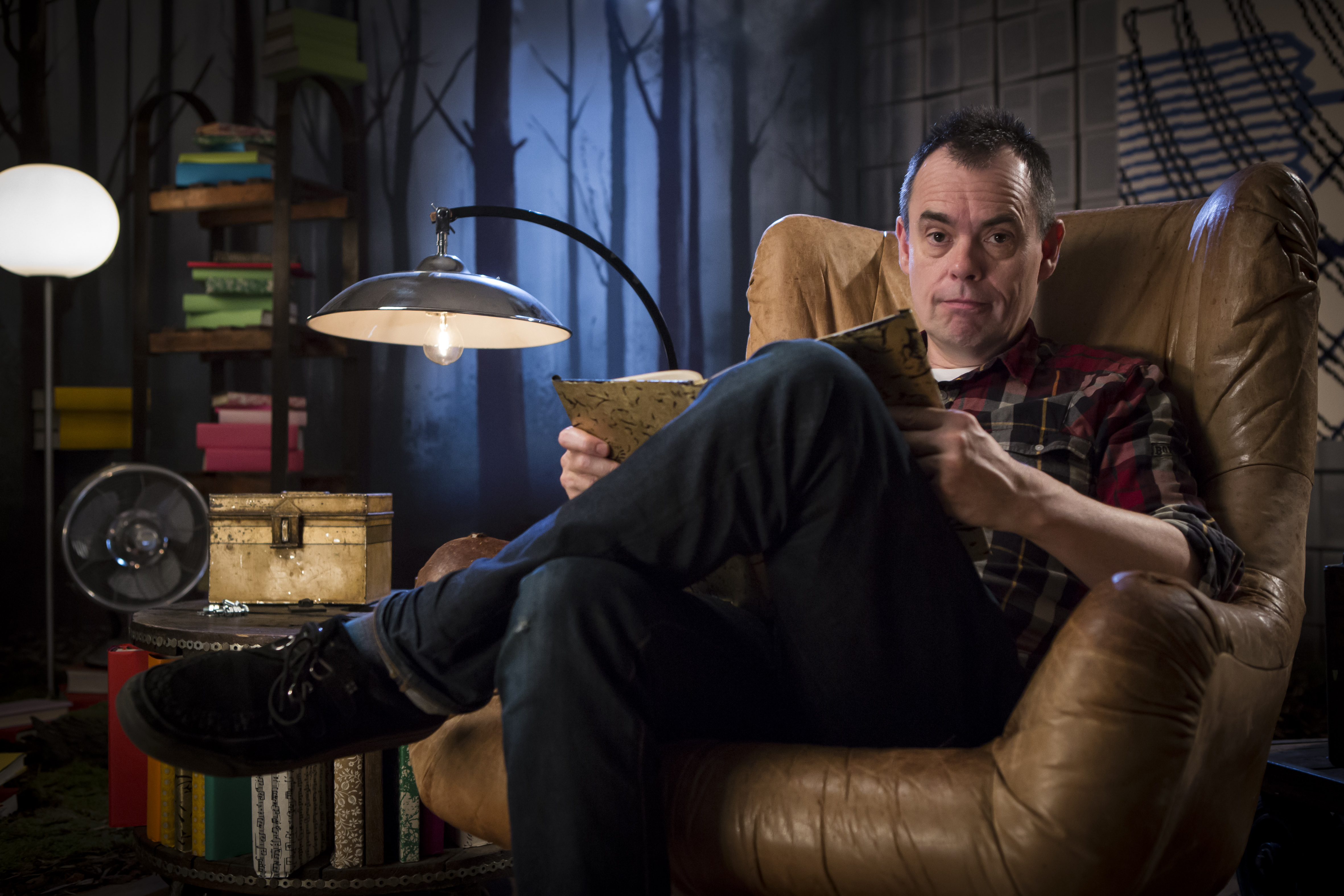 Crackanory Episode 2 – Kevin Eldon who reads What Do You Say?