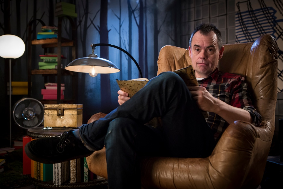 Crackanory Episode 2 - Kevin Eldon who reads What Do You Say?