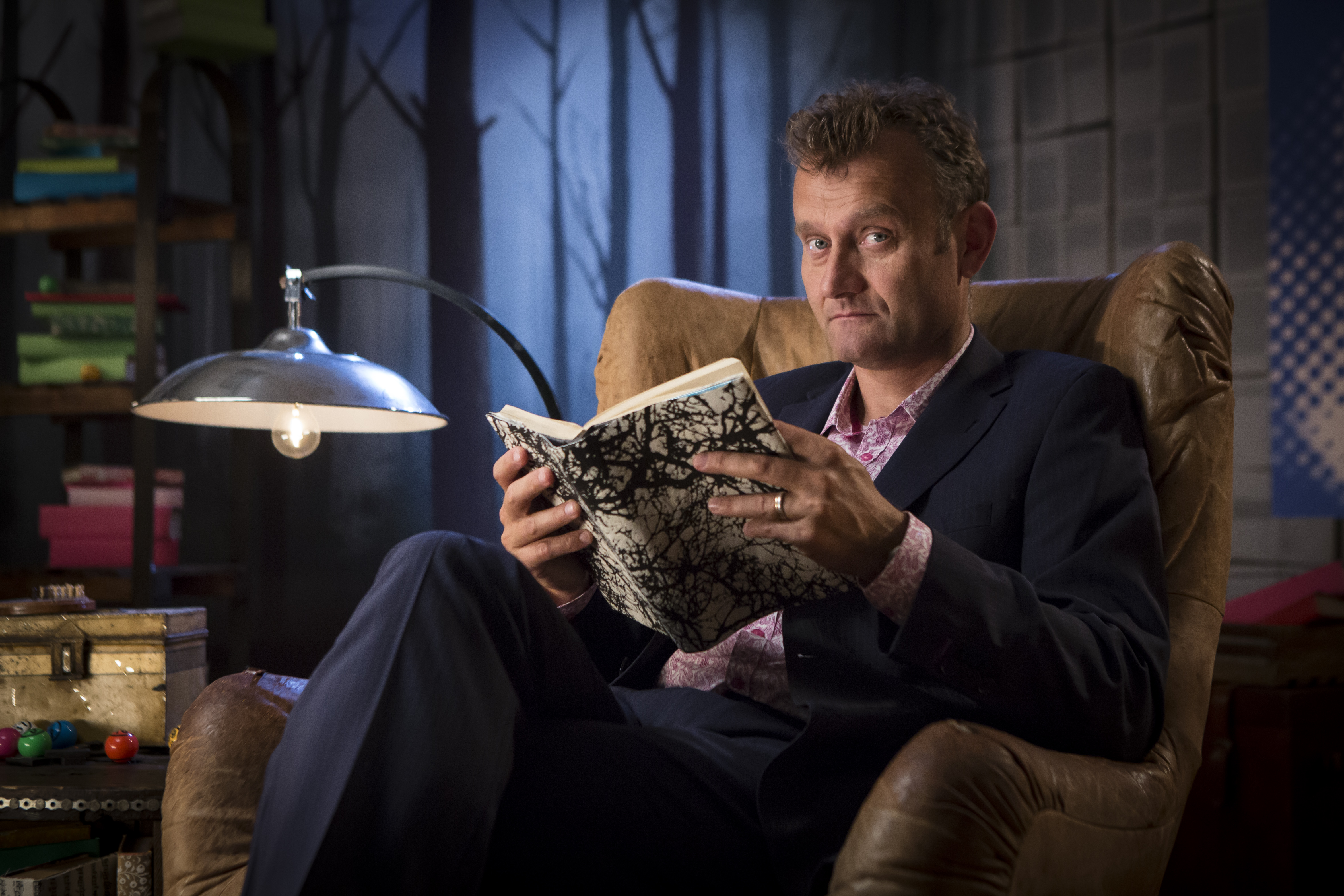Crackanory – Episode 6 (Hugh Dennis who reads Head In The Clouds)