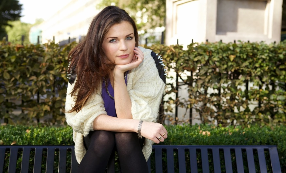 AislingBea_Bench