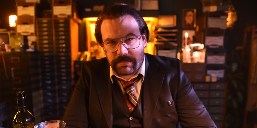 murder_in_successville_sleet_desk