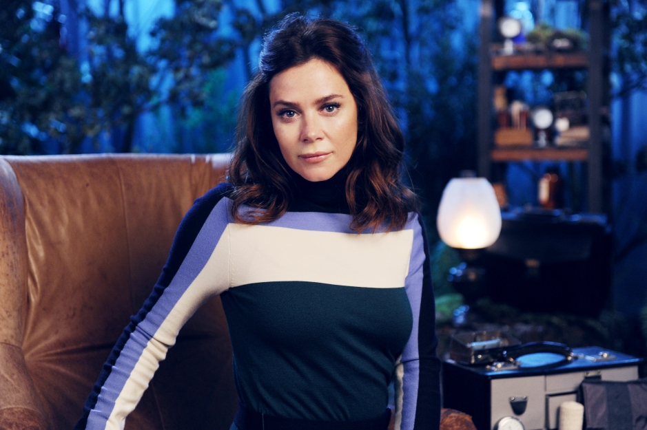 Crackanory S4 - Episode 4 - Anna Friel - The Survivor